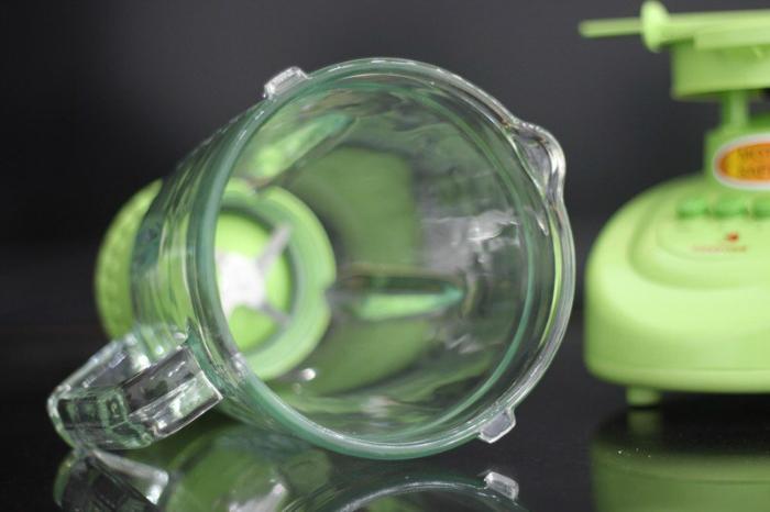 Cối lớn bằng thủy tinh kháng vỡ, chống trầy và an toàn cho người dùng