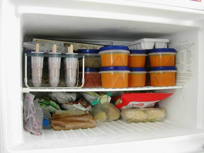 Nhồi nhét quá nhiều thức ăn sẽ khiến tủ bị kém lạnh