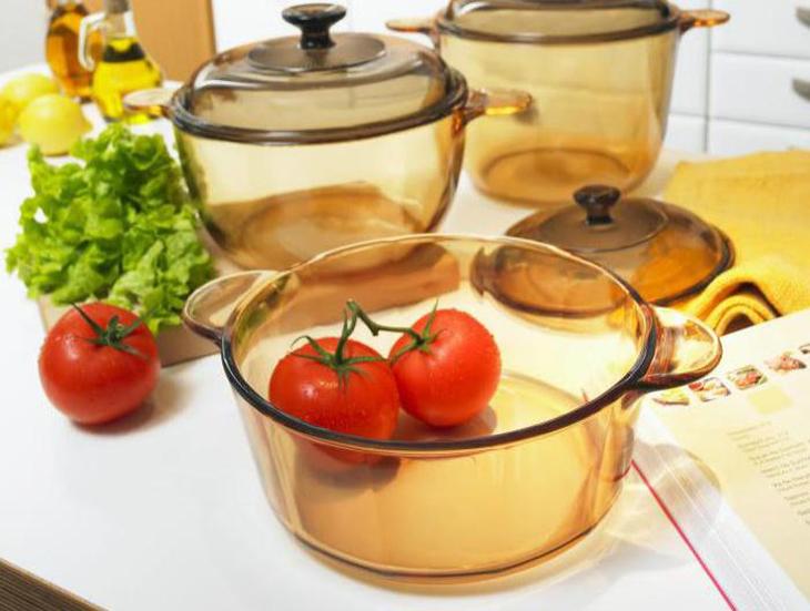 Nồi thủy tinh chịu nhiệt không phù hợp để nấu bếp từ