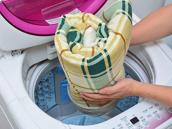 Với chế độ giặt chăn mền giúp bạn giặt chăn mền sạch không cần ra tiệm