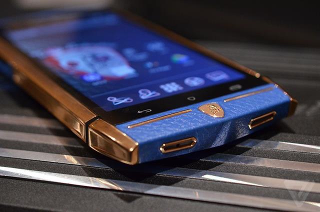 Hình ảnh Cận cảnh siêu smartphone pin chờ 1000 giờ số 7