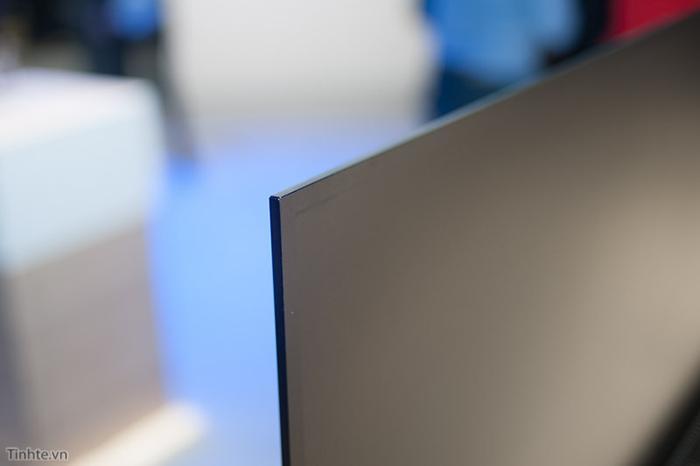 Chiếc tivi có độ mỏng ấn tượng xứng đáng với danh hiệu tivi LED mỏng nhất thế giới