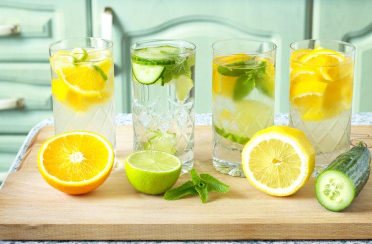 Uống nước chanh giúp phân giải cồn trong rượu