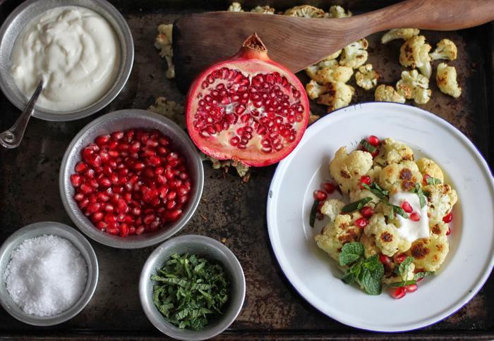 Hạt lựu giúp món ăn thêm đẹp và bổ dưỡng