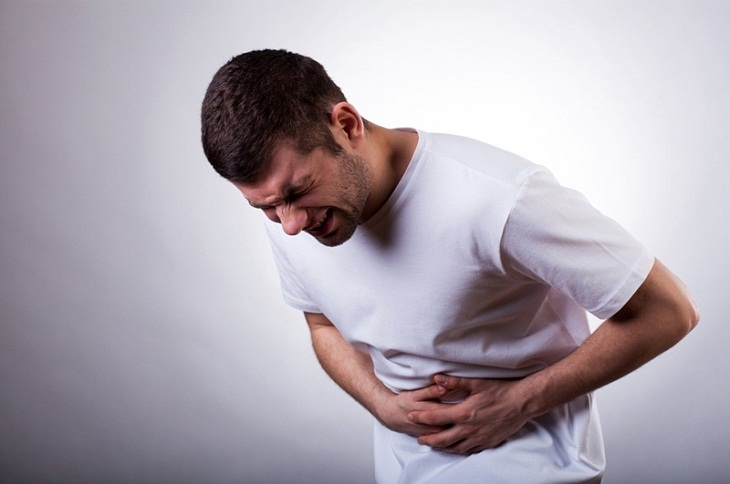 Dấu hiệu ngộ độc thực phẩm: Đau bụng