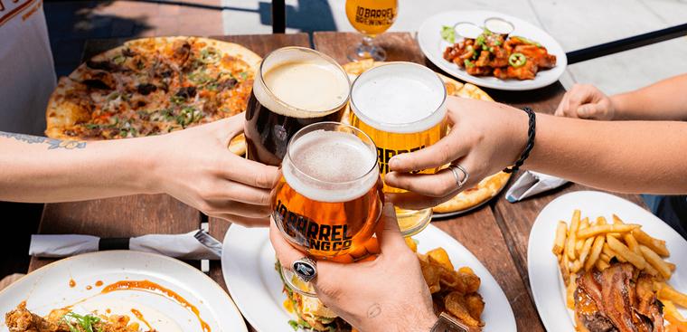 """Cách uống rượu bia không say, không đỏ mặt trong ngày Tết - Mẹo hay bạn nên """"bỏ túi"""""""