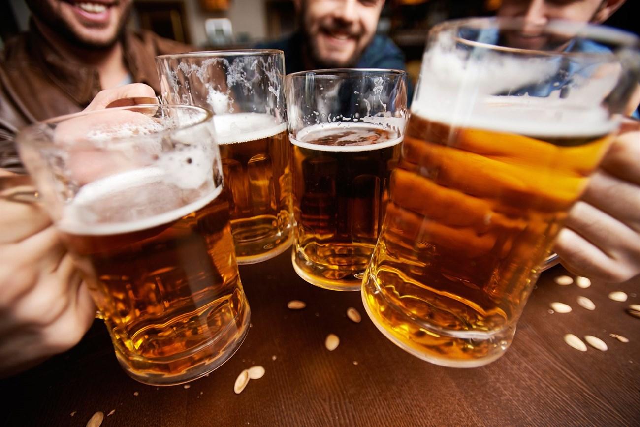 Uống bia chậm