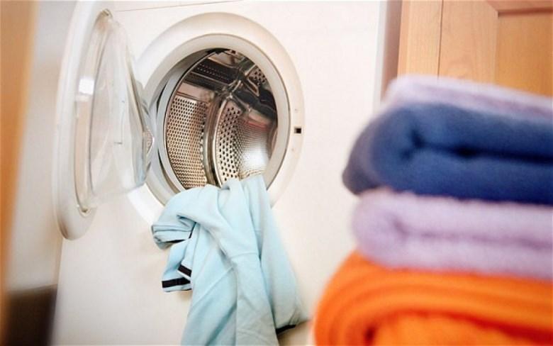 Máy giặt sẽ báo lỗi nếu khởi động khi cửa đang mở