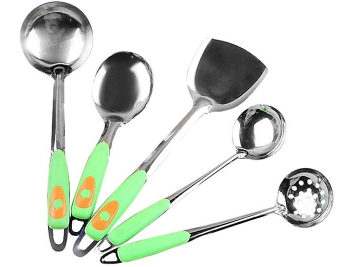 Dùng dụng cụ nấu thích hợp