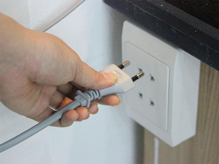 Nên ngắt điện hoàn toàn khi không sử dụng máy giặt