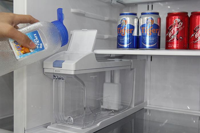 Cách sử dụng chức năng làm đá tự động trên tủ lạnh Hitachi
