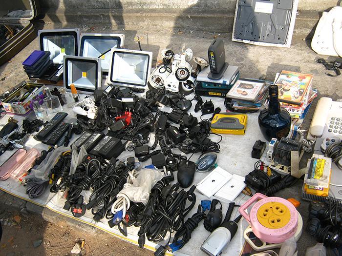 Cần kiểm tra kỹ cáp HDMI khi mua tại chợ Nhật Tảo
