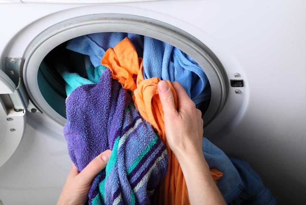 Phân bố đều quần áo trong lồng giặt