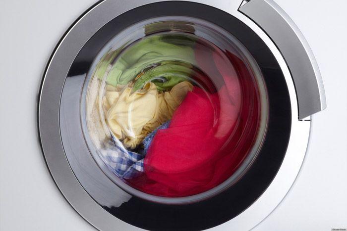 Khi đang hoạt động máy giặt không thể mở cửa