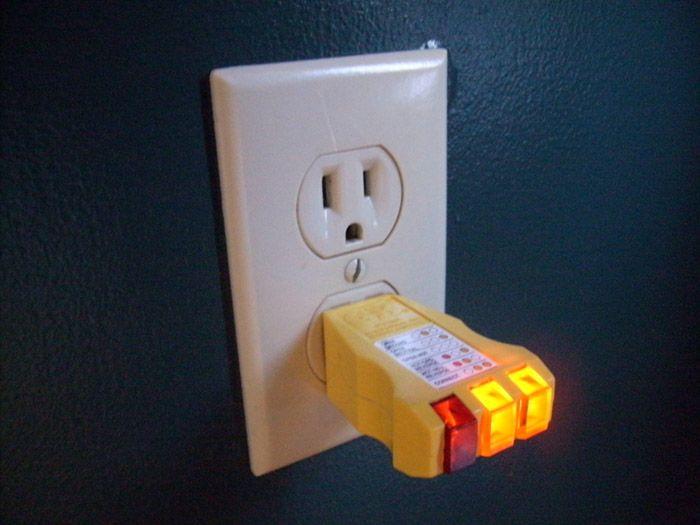 Kiểm tra ổ cắm điện khi máy không hoạt động