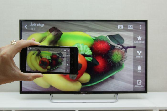 Xem hình ảnh từ điện thoại trên màn hình tivi