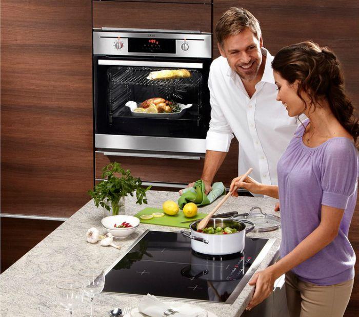 Bố trí bếp từ cách xa các thiết bị khác