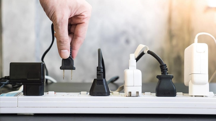 Sử dụng nguồn điện phù hợp, ổn định và an toàn