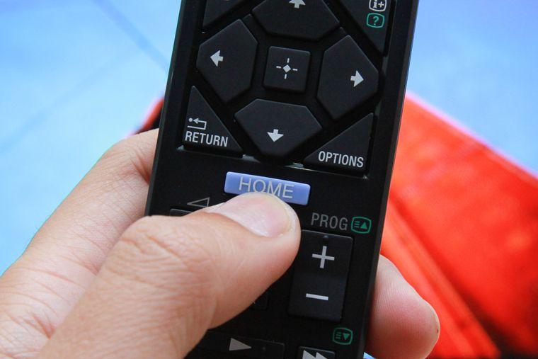 Cắm USB vào tivi