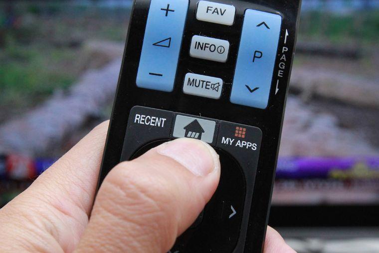 Nhấn vào nút Home