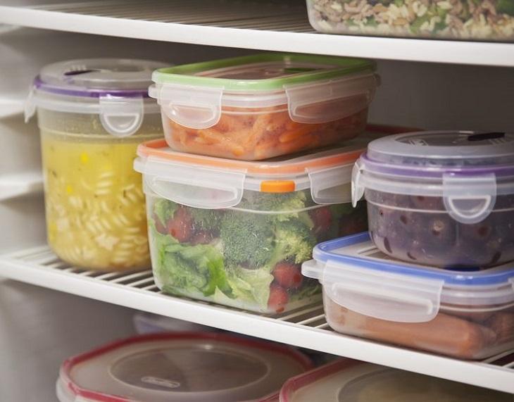 Bảo quản thức ăn trong các hộp giúp cho các loại mùi thức ăn không bị ám vào nhau