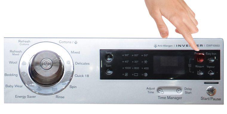 Bấm nút Pre-wash để cài đặt chế độ giặt sơ