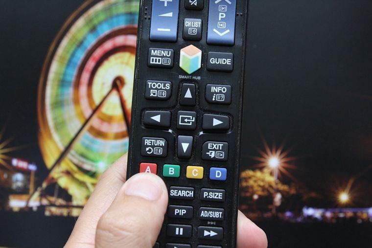 Nhấn nút A trên remote