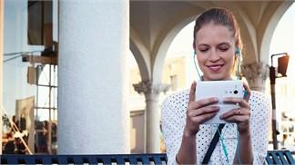 Smartphone chống nước cấu hình khá, giá bình dân, thương hiệu Mỹ chào đời