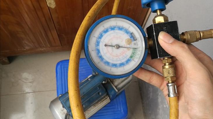 đo áp suất khi hút chân không