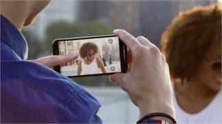 Tín đồ Sony Xperia sẽ rất buồn sau khi biết cảm biến camera dùng trên Moto X Style