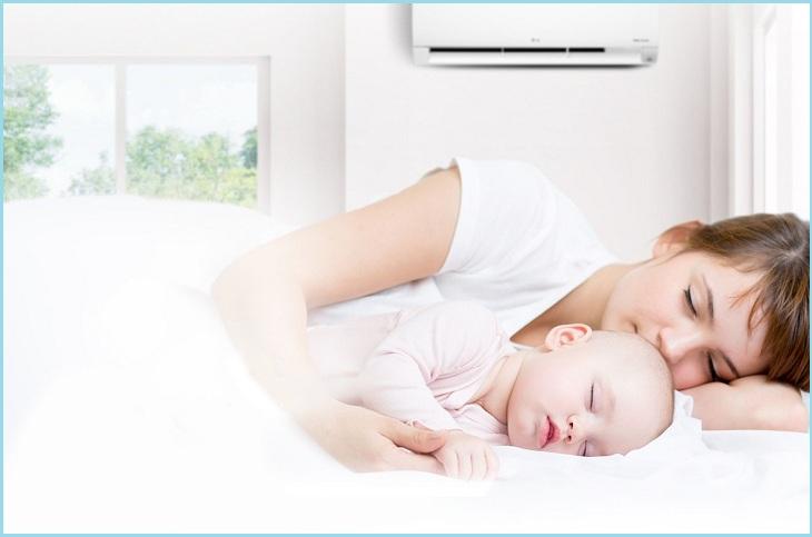 Có nên cho trẻ sơ sinh nằm máy lạnh