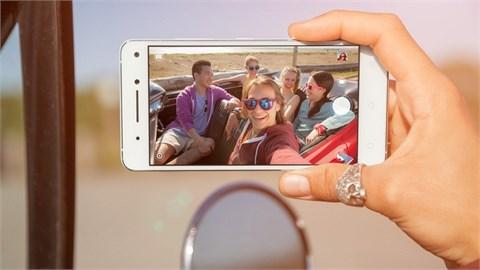 Smartphone có camera trước kép đầu tiên trên thế giới ra mắt