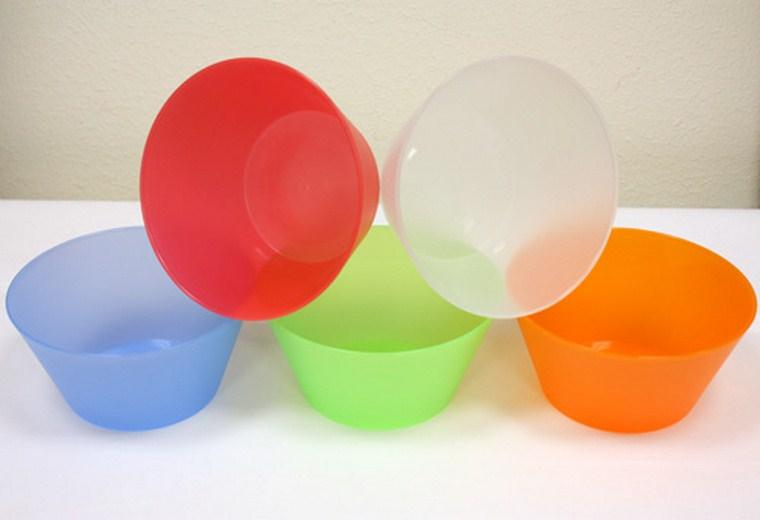 Chất tạo màu trong đồ nhựa gặp nhiệt cao sẽ gây độc cho hệ tiêu hóa