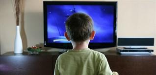 Một số điều nên lưu ý khi cho trẻ em xem tivi bố mẹ nên biết