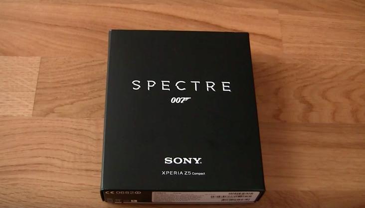 Vỏ hộp Xperia Z5 Compact James Bond