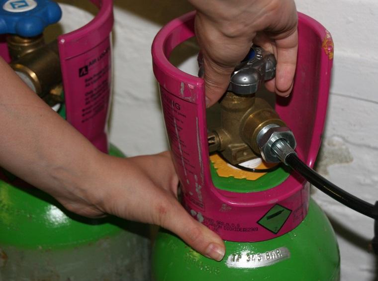 Khóa van bình gas sau khi sử dụng để tránh rò rỉ gas