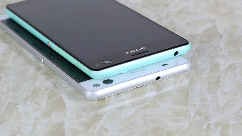 So sánh cạnh trên Sony Xperia C4 và Sony Xperia C5