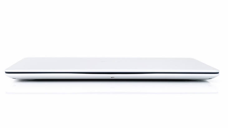 Laptop mỏng nhẹ Dell Inspiron 5370 (N3I3002W)