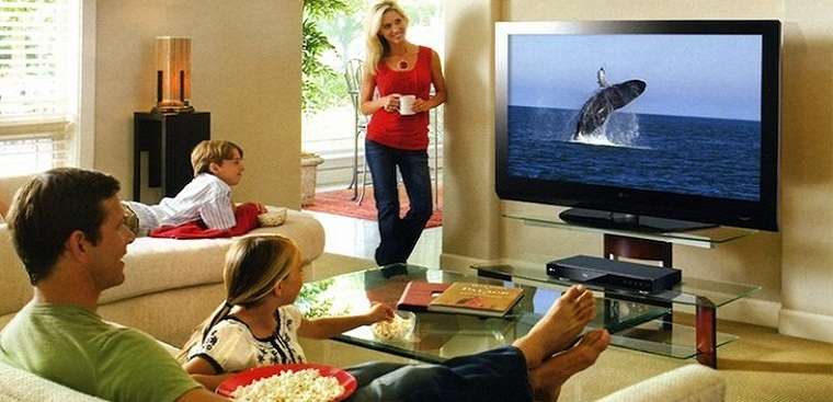Khoảng cách xem tivi bao nhiêu thì hợp lý và an toàn cho sức khỏe?
