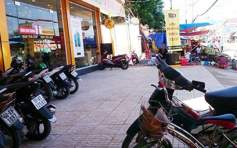 Ap Vinh Cuu City