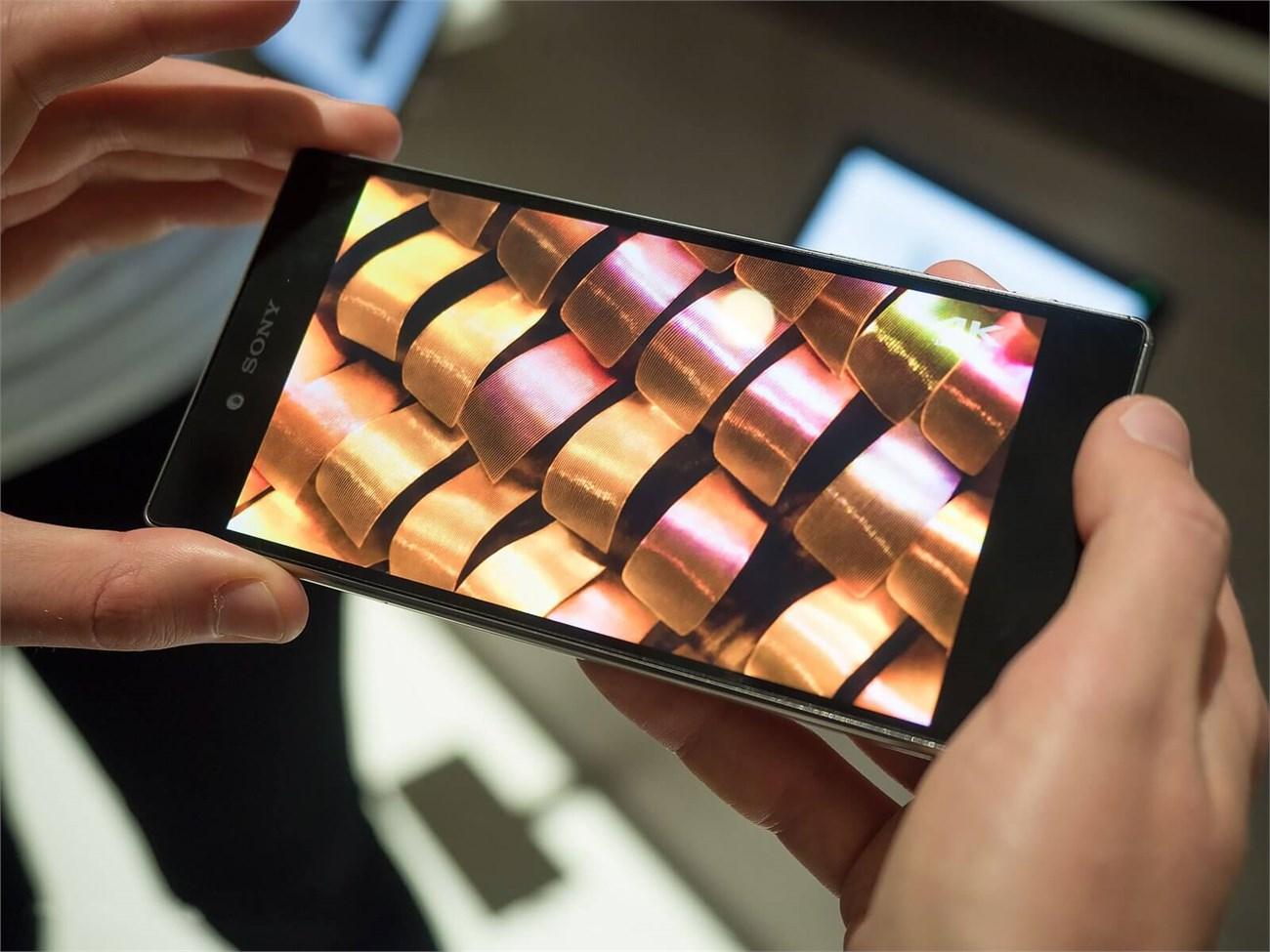 Màn hình 4K sắp phổ biến trên smartphone và ít hao pin