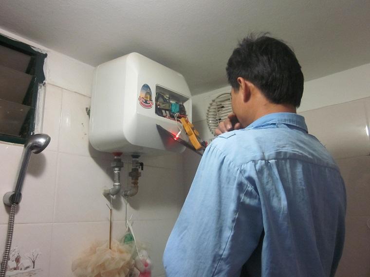 Thường xuyên kiểm tra và bảo dưỡng bình nóng lạnh