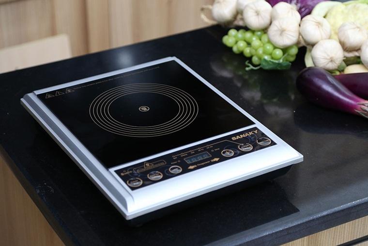 Bếp hồng ngoại Sanaky SNK102HG nấu ăn thuận tiện, tiết kiệm thời gian, bảng điều khiển dễ thao tác