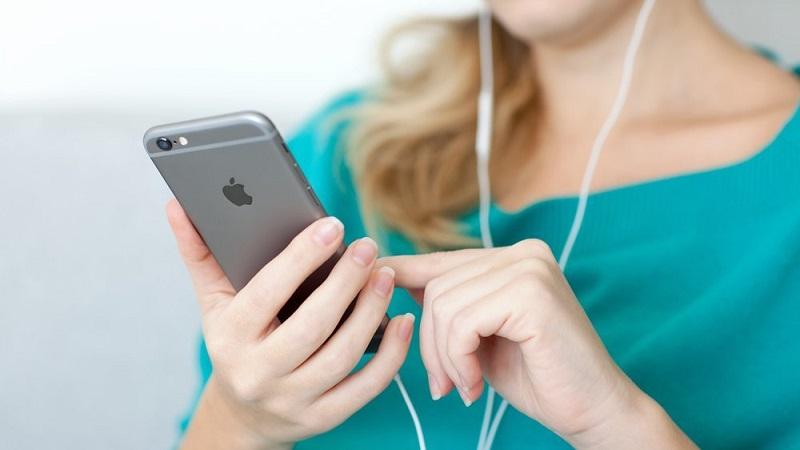 iphone-headphone