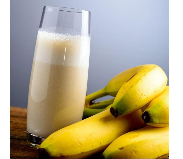 Sử dụng hỗn hợp sữa tươi và chuối có thể giúp bạn tăng cân thật nhanh