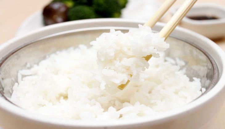 Ăn nhiều chất có tinh bột như cơm