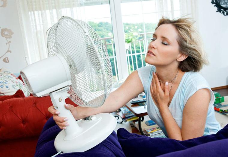 5 thói quen giải nhiệt mùa nắng nóng gây hại đến sức khỏe
