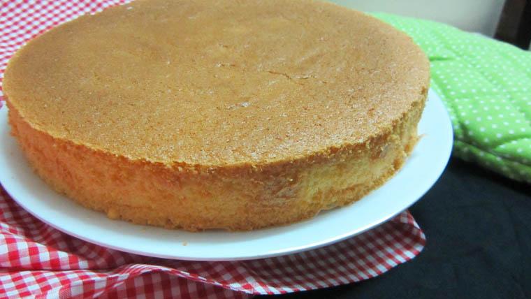 Cách làm bánh kem sinh nhật đơn giản - 4