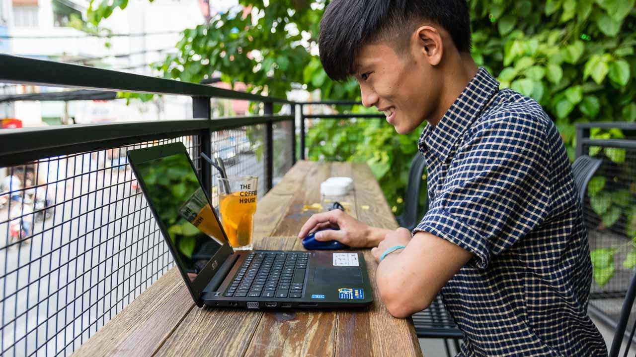 Laptop Asus cũng là dòng laptop văn phòng được yêu thích