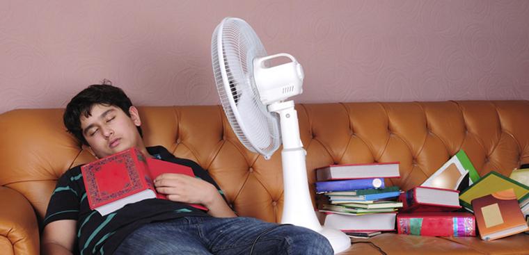 Chú ý khi dùng quạt điện trong mùa nóng